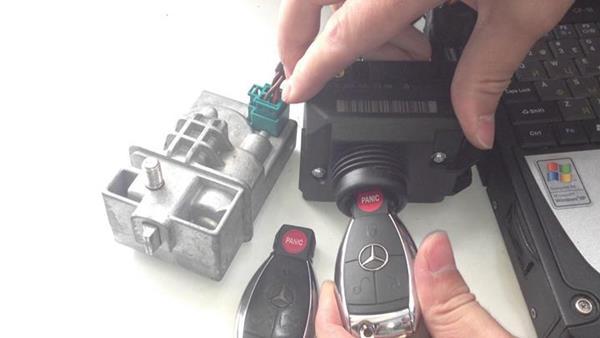 Замена батарейки в ключах рено